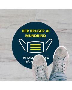 HER BRUGER VI  MUNDBIND KLISTERMÆRKE, 20 CM RUND